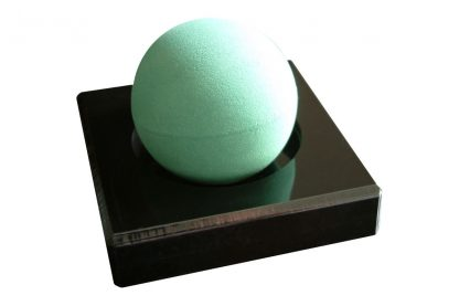 Mini-cloud base in black finish with vibration control ball